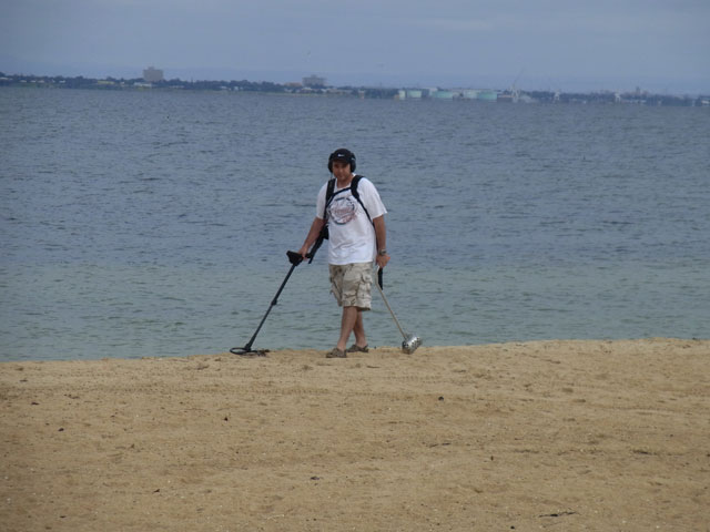 aaron-metal-detecting